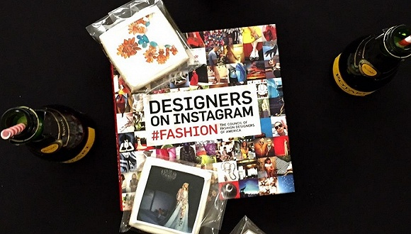 【每周一书】既然大家爱上Instagram看八卦 美国时装设计协会索性集结出书